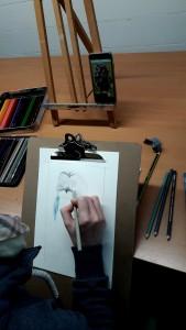 Manuela erste Eulenzeichnung mit Prismacolor