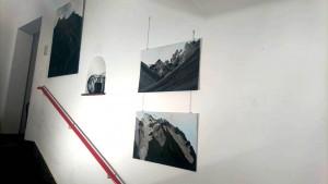 Jani Alpenwände Galerie im Stiegenhaus